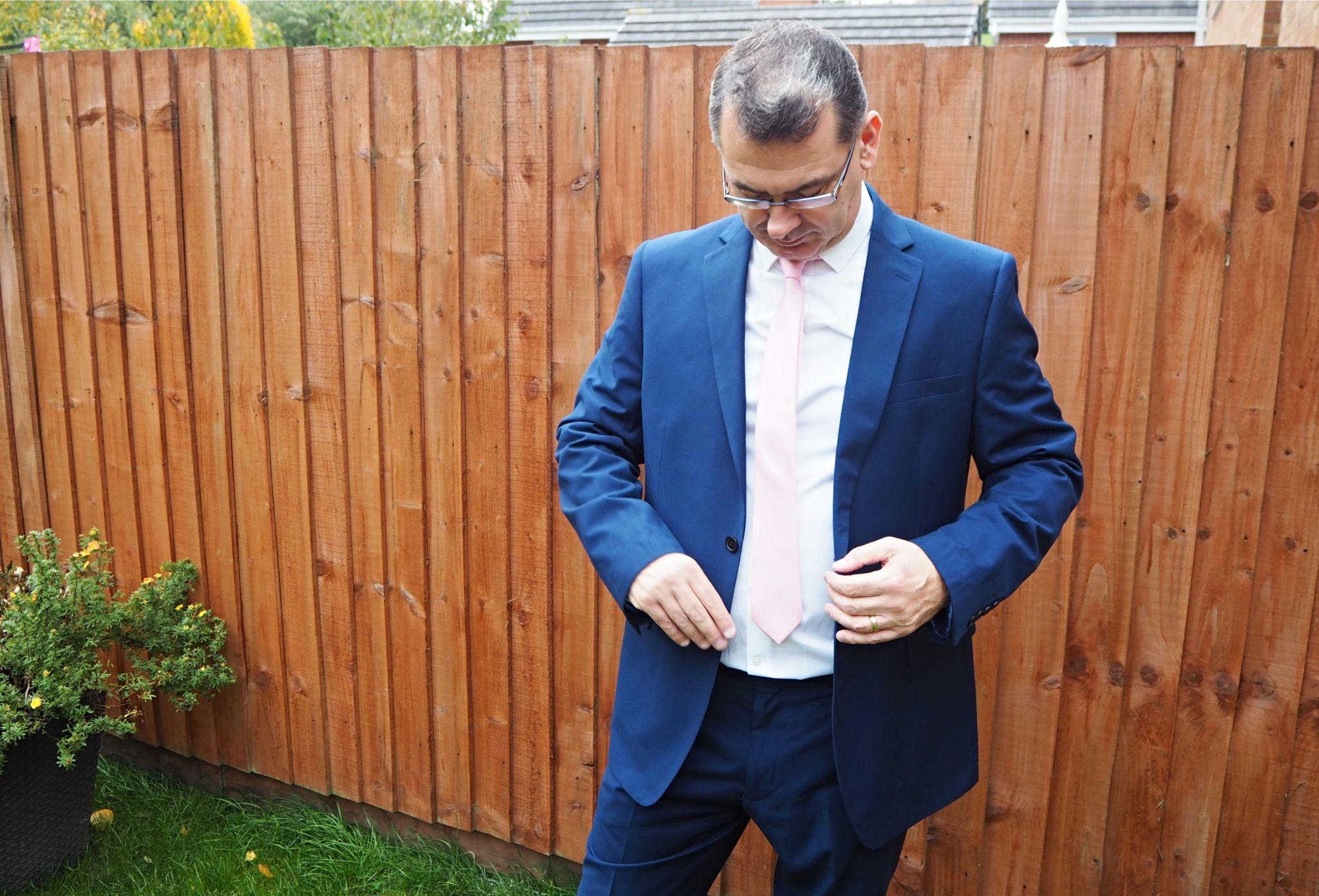 Suit Dobell